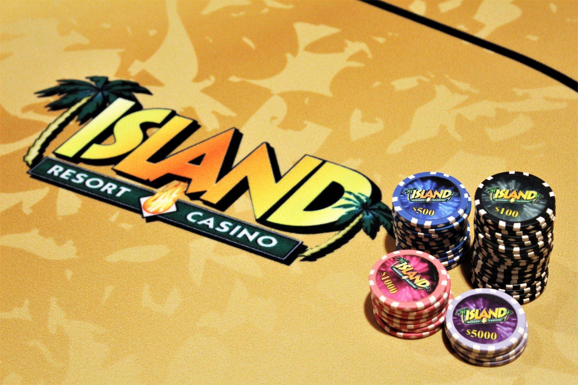 Island Poker Tournament Table