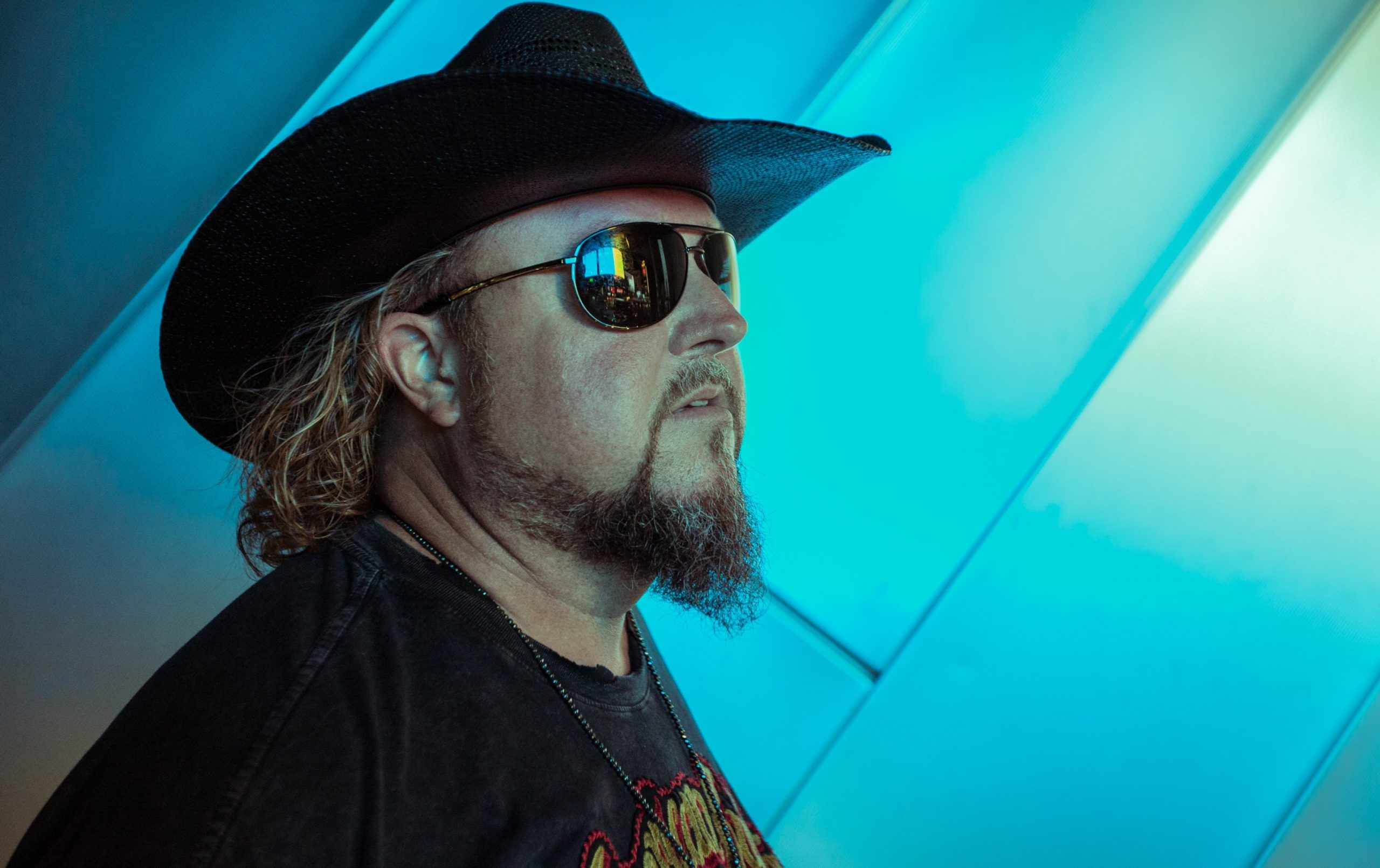 Colt Ford at the Island Showroom
