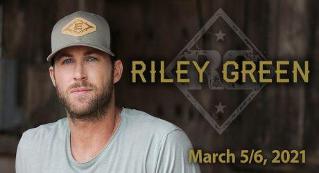Riley Green at the Island Showroom